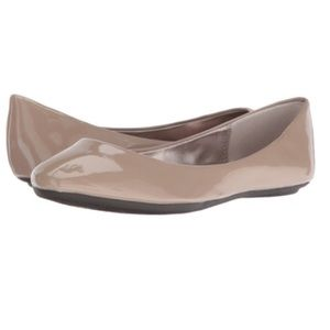 Steve Madden P-Heaven Patent Nude Taupe Flat 8M